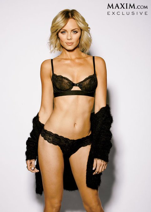 Happy Birthday to Laura Vandervoort she turns 33 today