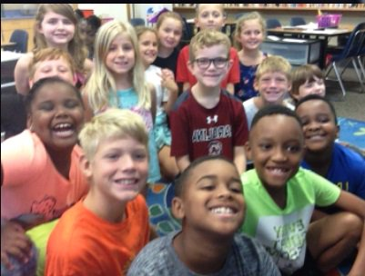 Just finished my #skypeascientist with kids from SC! They had read @plantdisease storybook, they loved the part about ergot gangrene<br>http://pic.twitter.com/kH1Q7vM51G