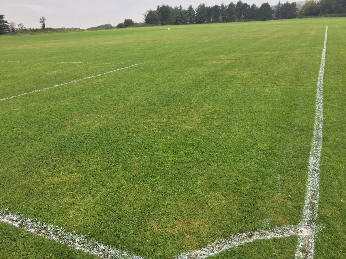 Stapleton Ave home of @ABJFC1892  pitches cut and marked for tomorrow&#39;s 5v5, 7v7 9v9 &amp; 11v11 home games @TheBBDFL #greatclub #volunteers <br>http://pic.twitter.com/28e1xppwcK