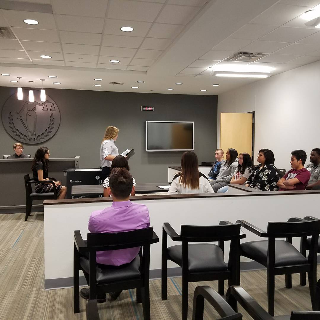 Mock Trials in Law today. #realworld #KCALFIRSTS @KCAL_KISD<br>http://pic.twitter.com/3Z1p0EmMoO