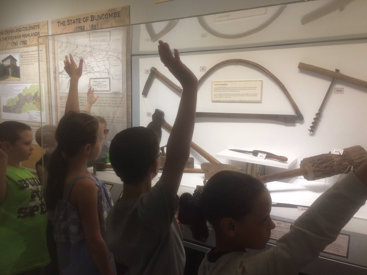 History immersion @OldFortElem @McDowell590 learning about early American at Gateway Museum #communityresources #realworld #oldfortpride<br>http://pic.twitter.com/g441Z3MtiI