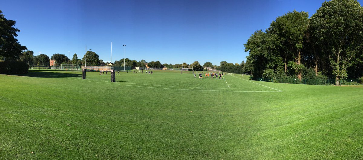 A glorious afternoon for @BWPrep_Sport - hockey v @BancroftsPrep and rugby, football and netball practices. #luckypeople <br>http://pic.twitter.com/9WUKTBCO51