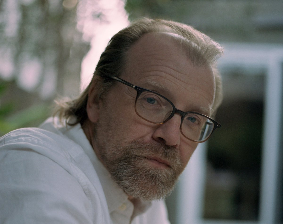 The Man Booker weekly round up is in ... George Saunders' book is floo...