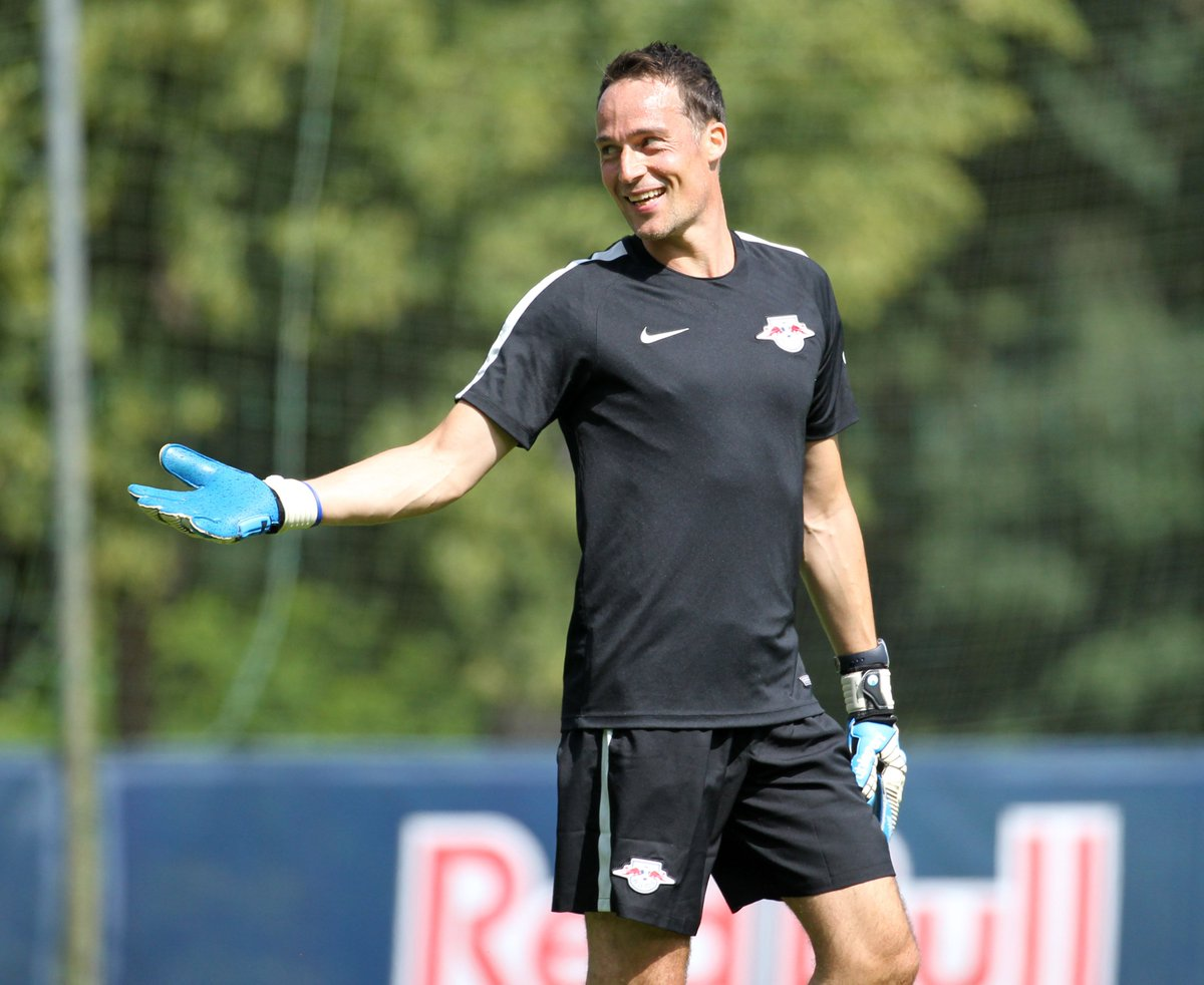 Rb Leipzig English On Twitter Happy Birthday Frederik Gossling Our Gk Coach Turns 40 Today Keep Up The Good Work