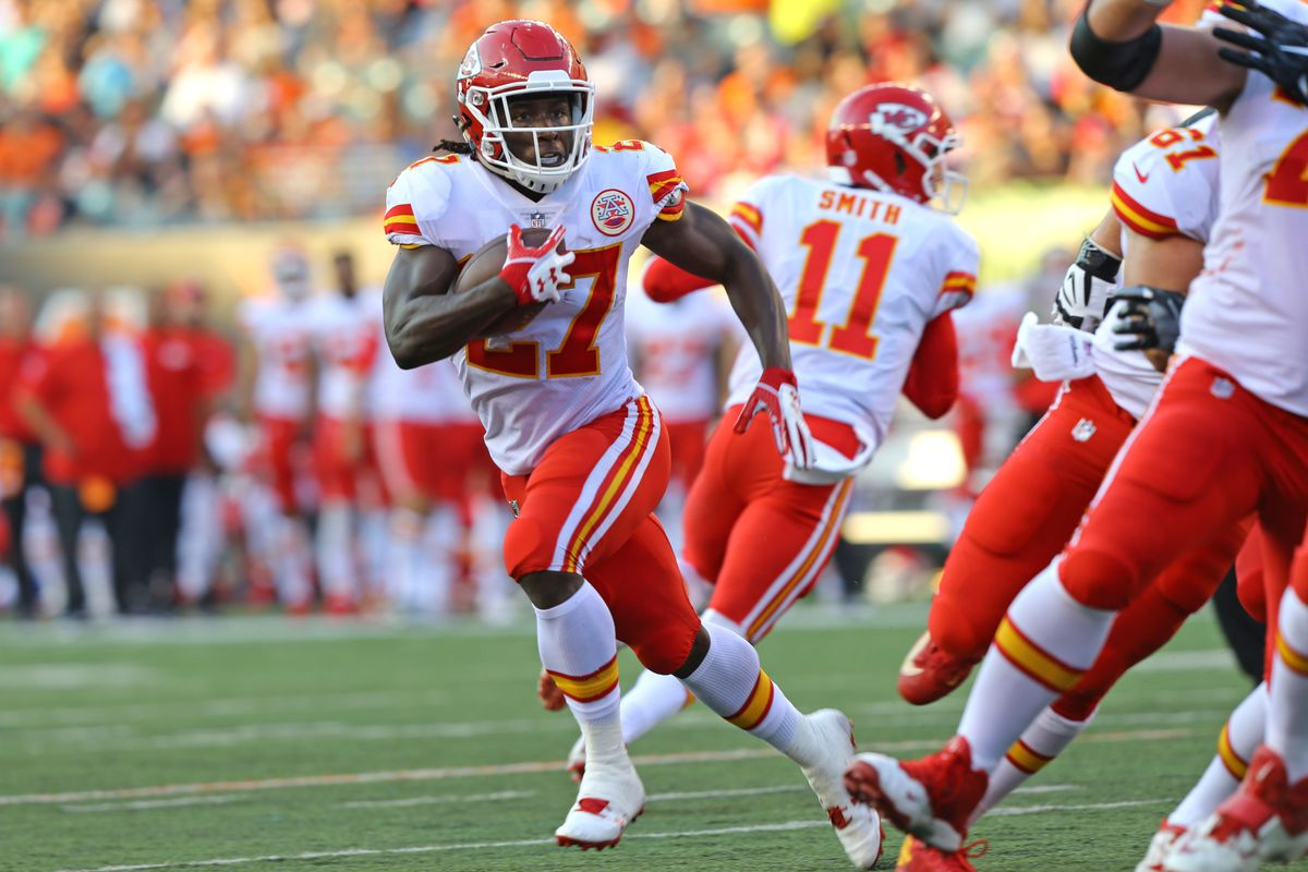Kareem Hunt Pos RB 2018 14 TDCareer 27 G 25 TD ProBowl Chiefs 20172018 1x Yds Leader born OH 1995