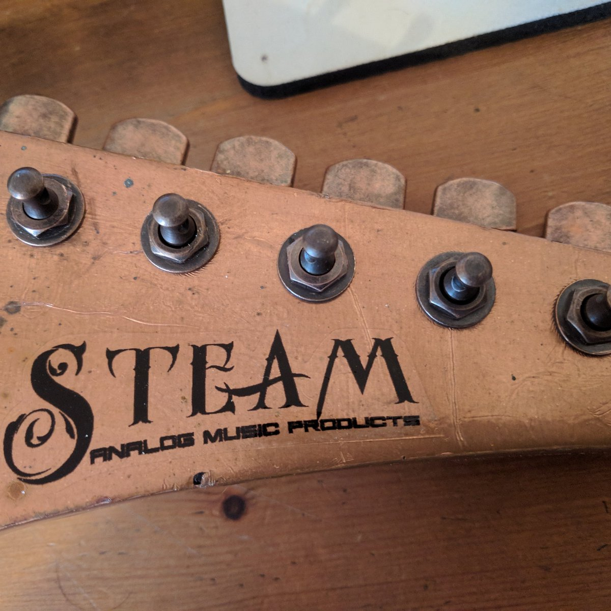 Teaser for next year's Birmingham Guitar Show. #steampunk #copper #guitar #cogs #notmanycogs #whammy #analog #effects #lightshow #rocknroll