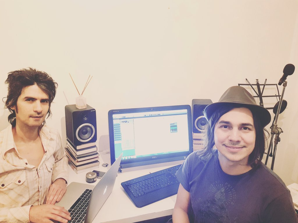In full production #TRANCE with @MartinLucero1 doing a remix of #MEDICINE with the voice of @vickienatale MUSIC IS THE UNIVERSAL LANGUAGE <br>http://pic.twitter.com/fJXXGEbCsE