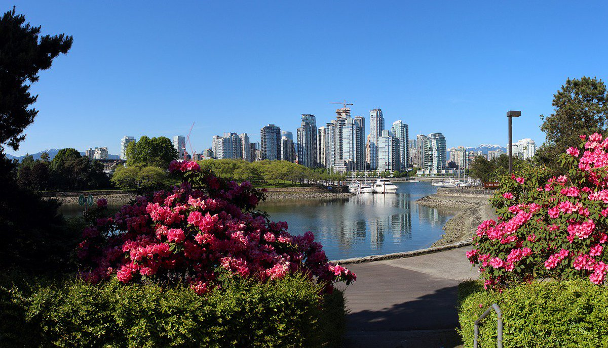 Announcement: Next year&#39;s #OSSummit North America will take place August 29-31 in Vancouver BC! <br>http://pic.twitter.com/gcp28CTzgW