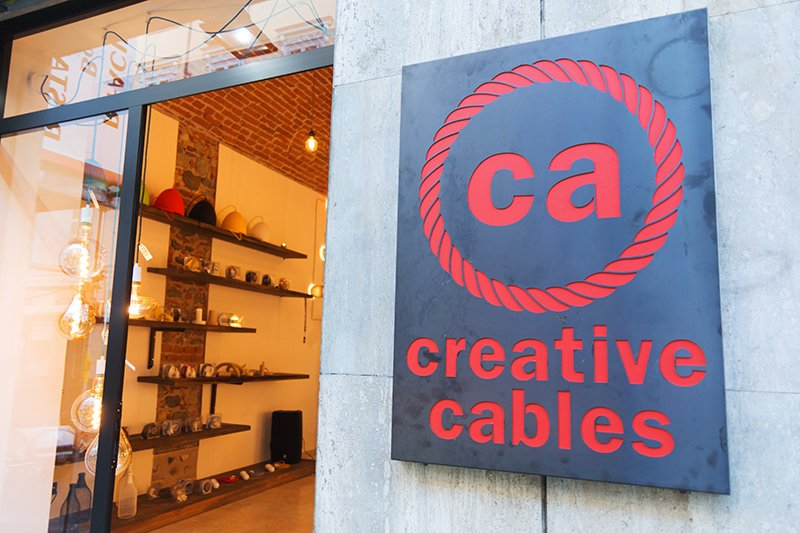 The first Creative-Cables Flagship Store opened its doors yesterday night in #Turin, #Italy - our hometown!  #CreativeCables #BeCreative<br>http://pic.twitter.com/AUpK5Uo7YK