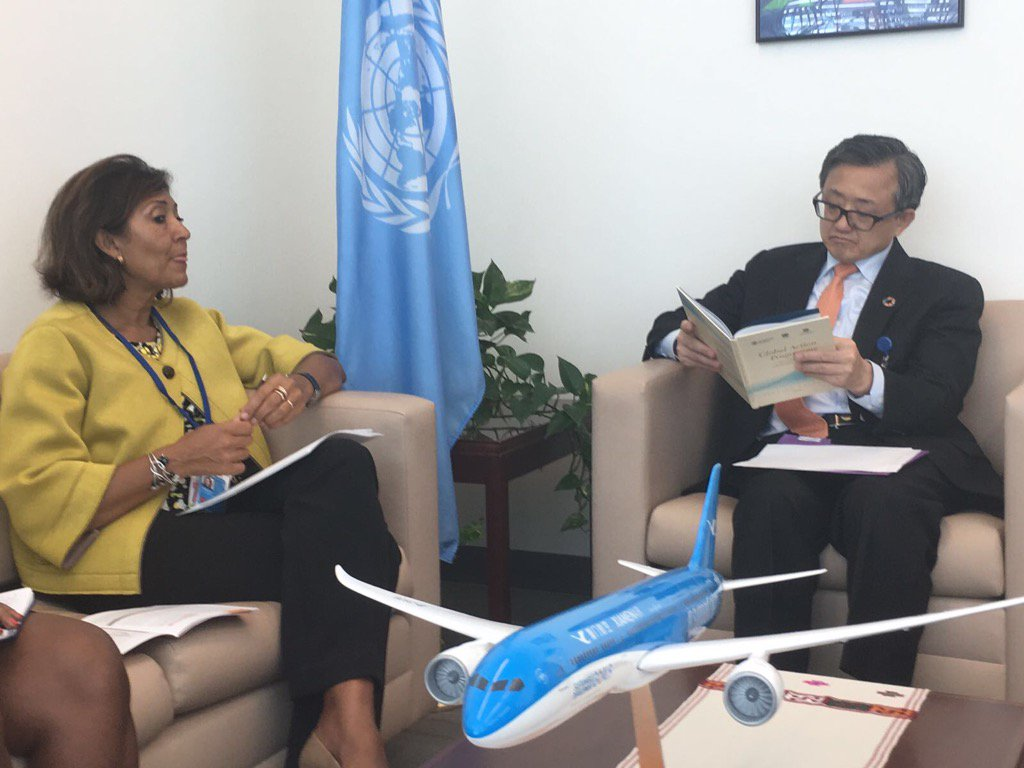 Great talk w L.Zhenmin, USG @UNDESA, discussing #GAP to reach #Zerohunger in #SIDS #UNGA  @FAOSIDS<br>http://pic.twitter.com/B8V7kU42v5
