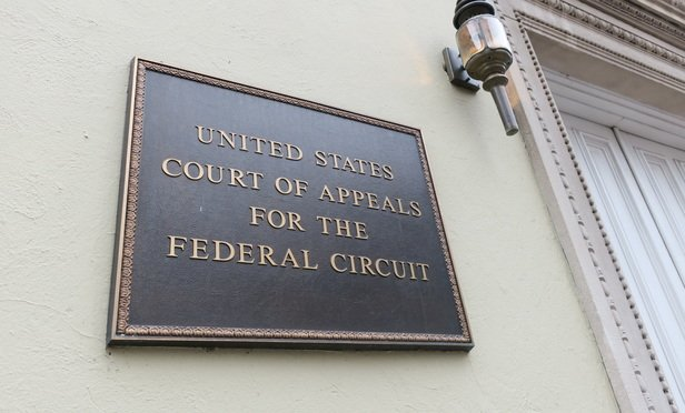 ICYMI: Federal Circuit: No More Loosey-Goosey Rules on Patent Venue  http:// ow.ly/UMp930fkQkr  &nbsp;   #leganews #txlegal #txpol<br>http://pic.twitter.com/oLXwdUNUhu