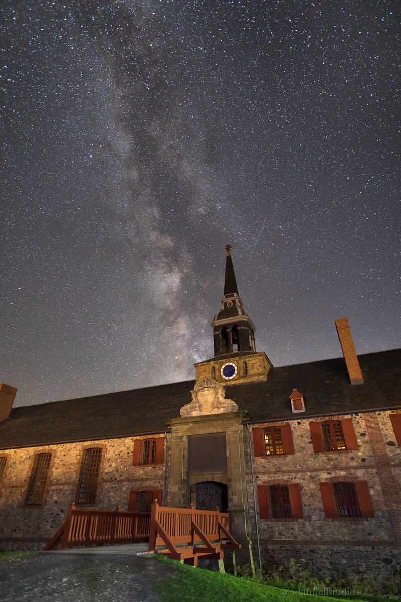 Spend a night in the past, under the stars in the #FortressOfLouisbourg in #CapeBreton. #Canada&#39;s 1st observatory was found here! <br>http://pic.twitter.com/vKIkXq1Ddd