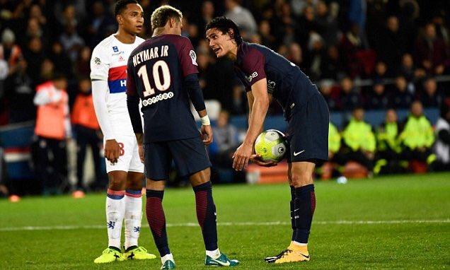 Edinson Cavani will sleep well tonight knowing Neymar misses the trip to Montpellier through injury #MHSCPSG #SetPieceDuty #Neymar  #PSG  <br>http://pic.twitter.com/DeZEDLCO9Q