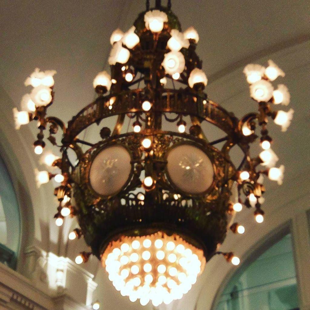 Amazing #steampunk #chandelier #amsterdam #amsterdam https://t.co/lkC8xUTEtF