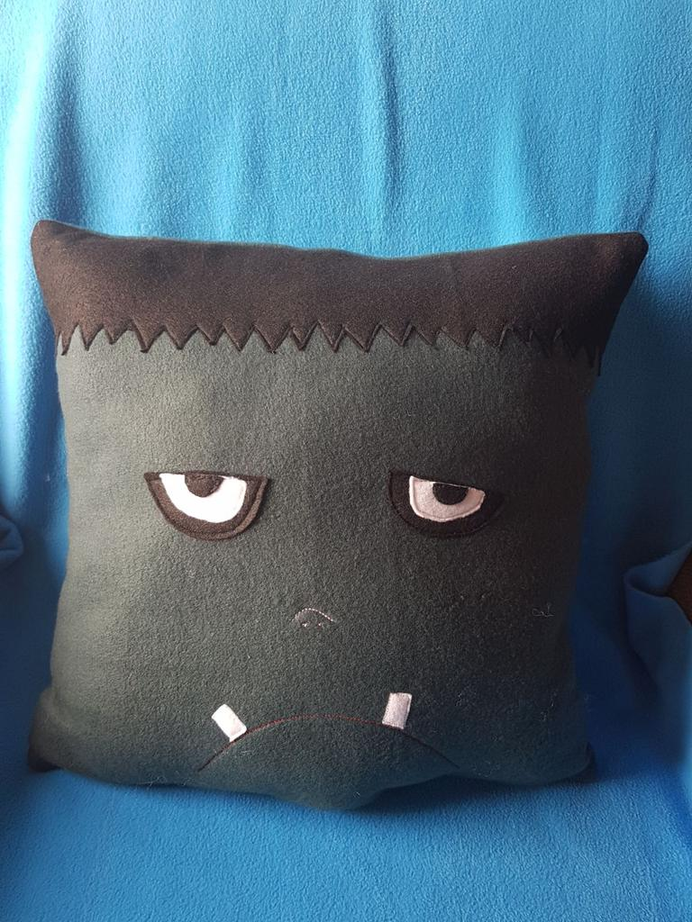 How cute is this Frankenstein cushion.Handmade by us here at Amelia&#39;s Grotto #cute #Frankenstein #cushion #handmade <br>http://pic.twitter.com/vW8ZJTeVLq