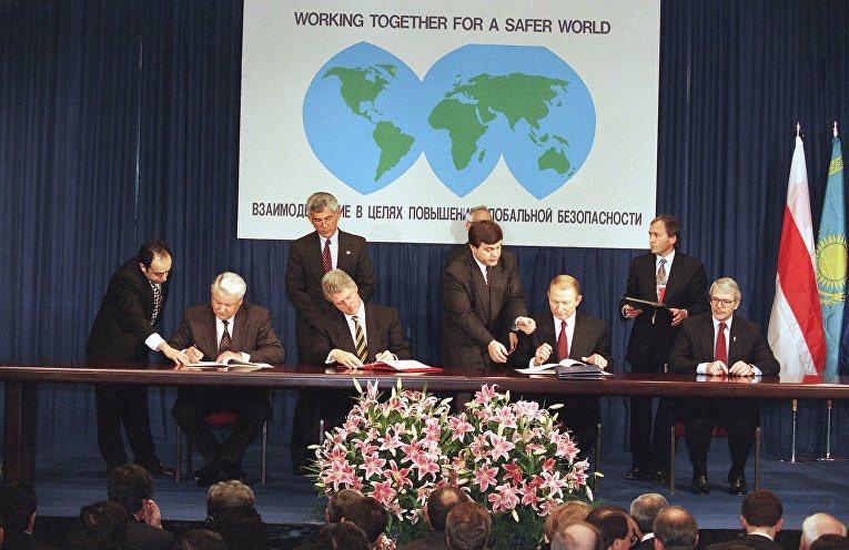 Германия и Франция обсуждают предложения по миротворцам ООН на Донбассе, - немецкий МИД - Цензор.НЕТ 4612