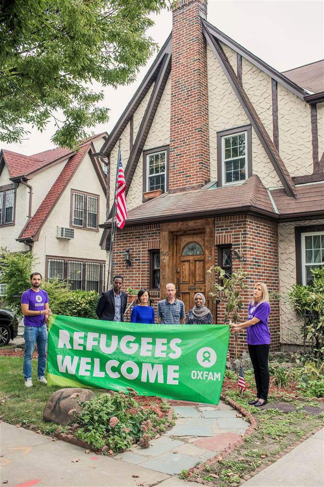 President Donald Trump's childhood home in New York City had some new occupants over the weekend — refugees. https://t.co/RmA3nJoYOm