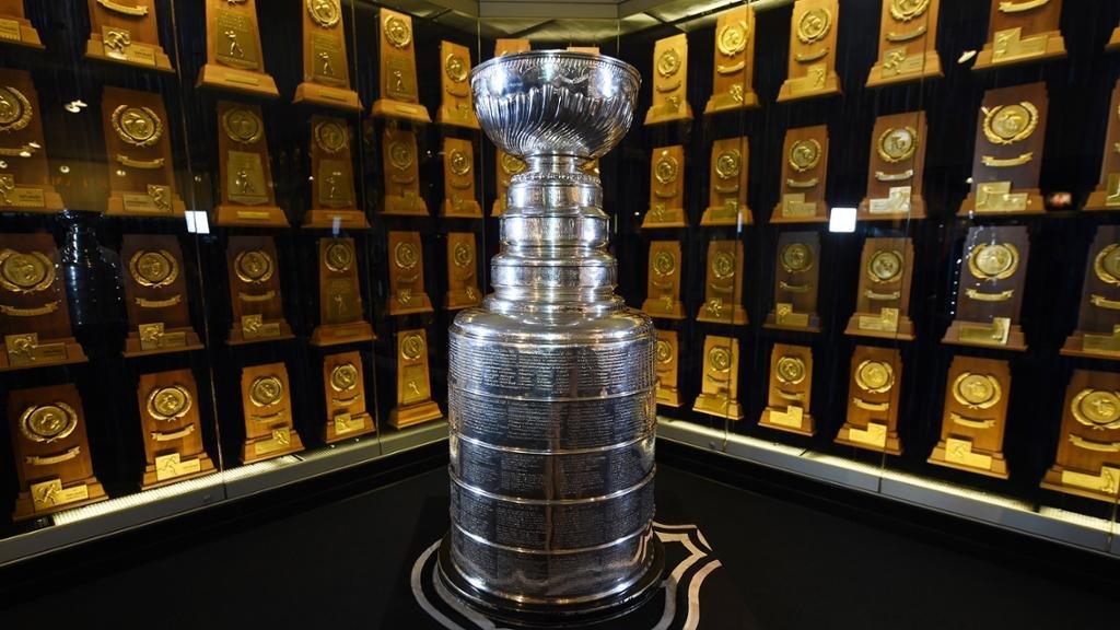 Magnificient!  Please honor &amp; respect.  &amp; retweet ;)  #NHL #lakings #leafs #habs #blackhawks #pens #bruins #redwings #NHLDucks #canes #bolt <br>http://pic.twitter.com/iAAlARv5Nk