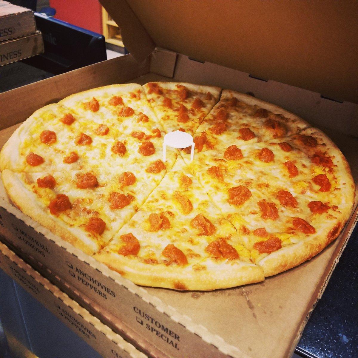 bryce riley on twitter villa italian kitchen sent us pumpkin spice pizza ive never seen pizza this polarizing in the newsroom - Villa Italian Kitchen
