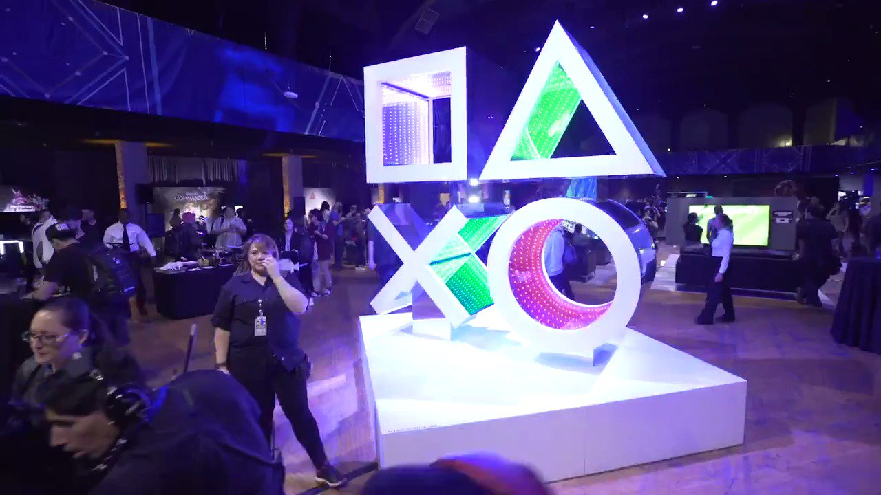 It's time. Book your tickets for PlayStation Experience 2017 right now: https://t.co/jNPshwev8B https://t.co/gEWTO4hNlU
