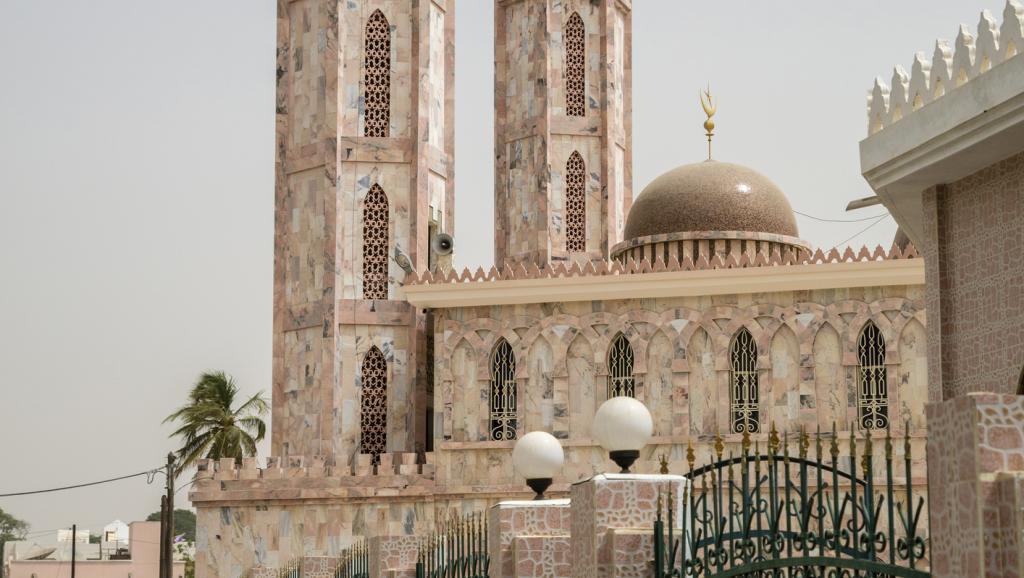 Macky Sall et le Sénégal rendent hommage au khalife général des Tidianes https://t.co/JTr6zKKgn4