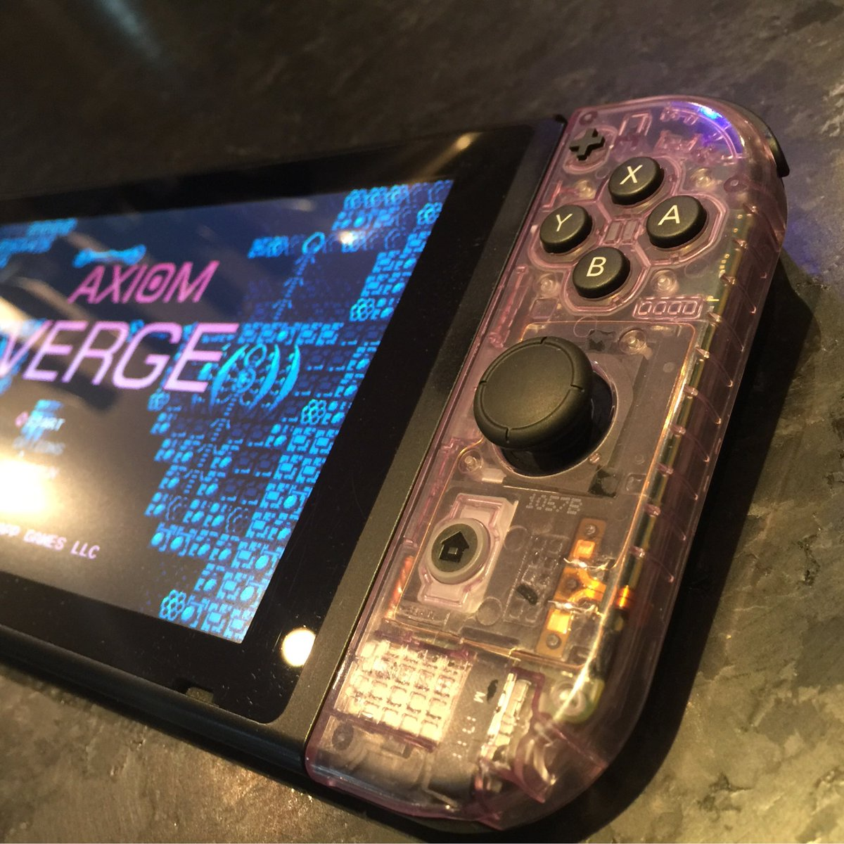 Good God. Atomic Purple. My new color of choice! Flawless controller mod. https://t.co/5HnuL0gcHW