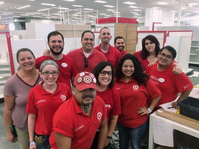 Had an amazing time at the T2868 planorama today! Awesome seeing 400 TMs setting up a new store for success! #T2320ModelStore #D303 #G392 <br>http://pic.twitter.com/UNFTYzSiHh