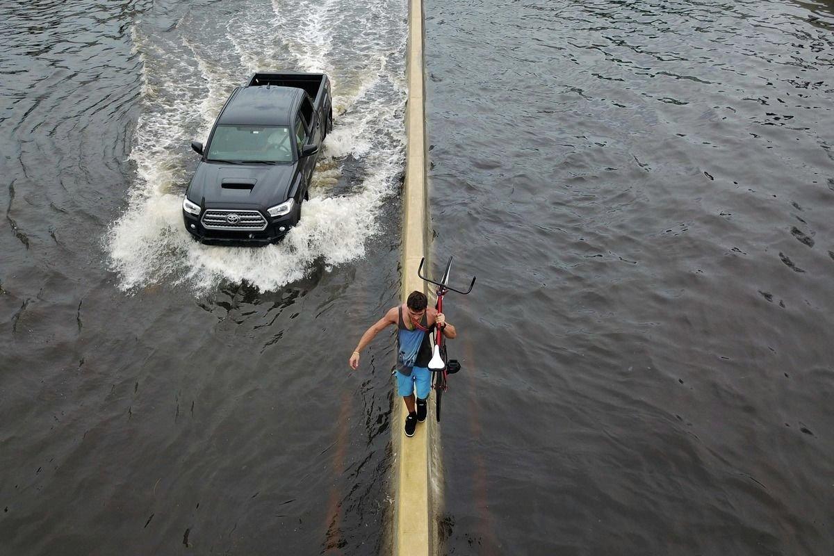 Ouragan Maria: Porto Rico ordonne des évacuations massives après la rupture d'un barrage https://t.co/TzJ2MmJplh