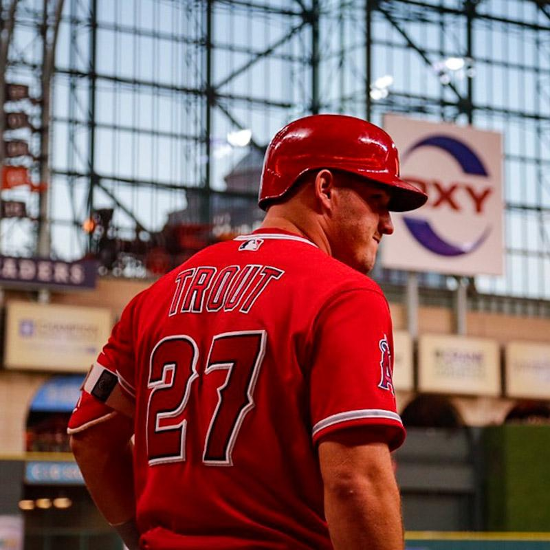 We're scoreless after 3 in Houston.   @MikeTrout to lead off the 4th! https://t.co/PZZCqwWsgi https://t.co/aLY6a53cCN