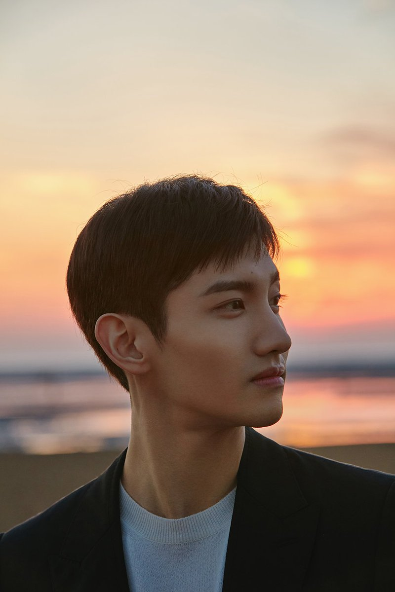[#STATION] #TVXQ! WEEK #MAX to reveal his first teaser video for '#여정(#InADifferentLife)' today at 6pm KST