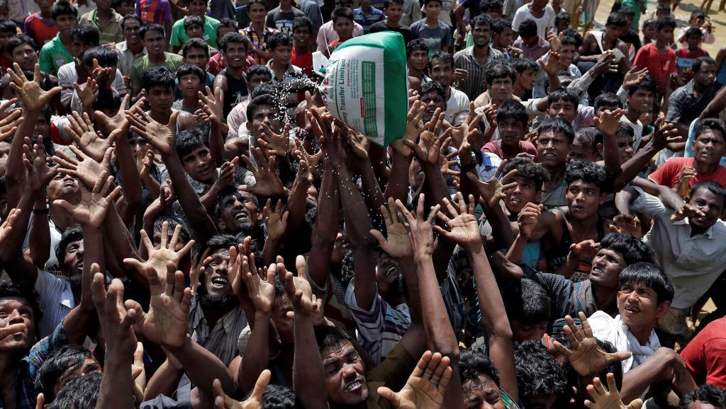 Drame des Rohingyas: au Bangladesh, les camps de réfugiés au bord de l'asphyxie https://t.co/SZVxv2RtVm