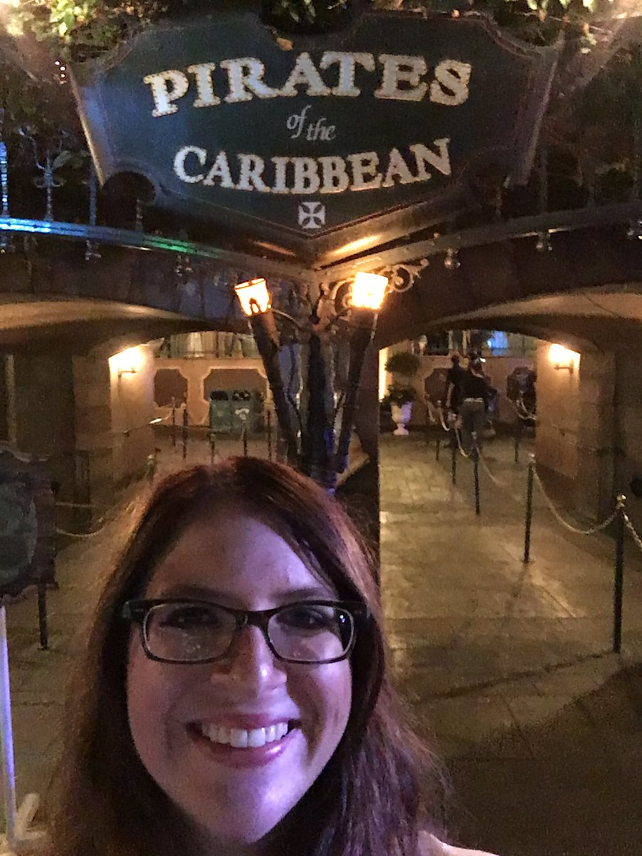You can&#39;t tell, but I am in fact dressed as a pirate, because dreams do come true! #disneyland #pirate #potc <br>http://pic.twitter.com/gNnAcrtDjY