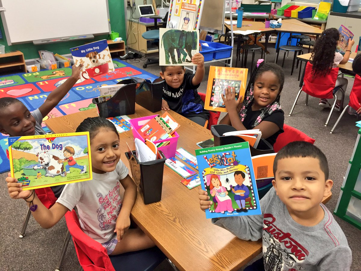 This week avid readers went shopping for books and read old time favorites! @apscspr #Reading #diversitymatters #EL <br>http://pic.twitter.com/V3H0gui0kx