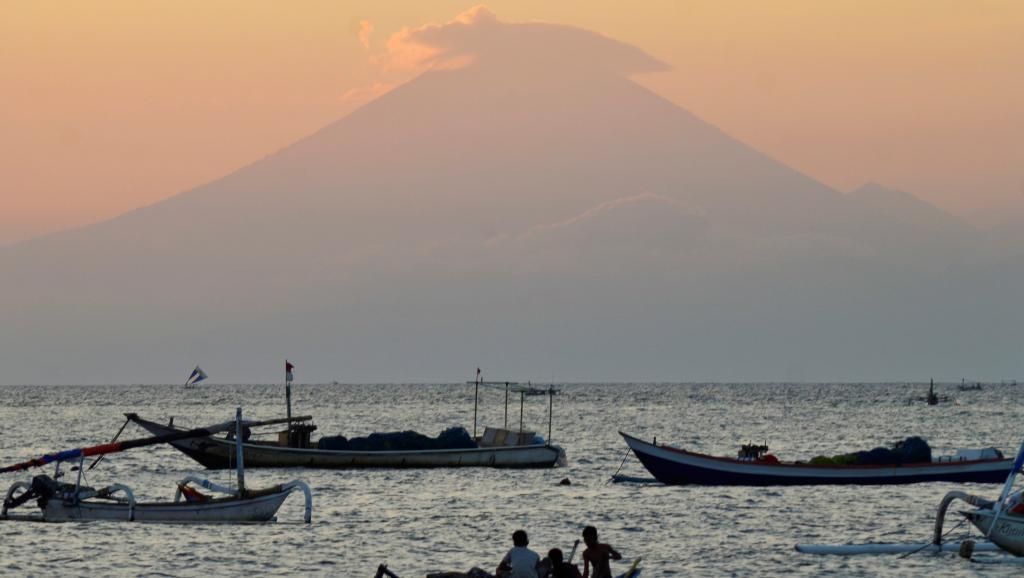 Risque d'éruption volcanique à Bali: Jakarta décrète l'état d'alerte maximale https://t.co/158dSIXyQ2