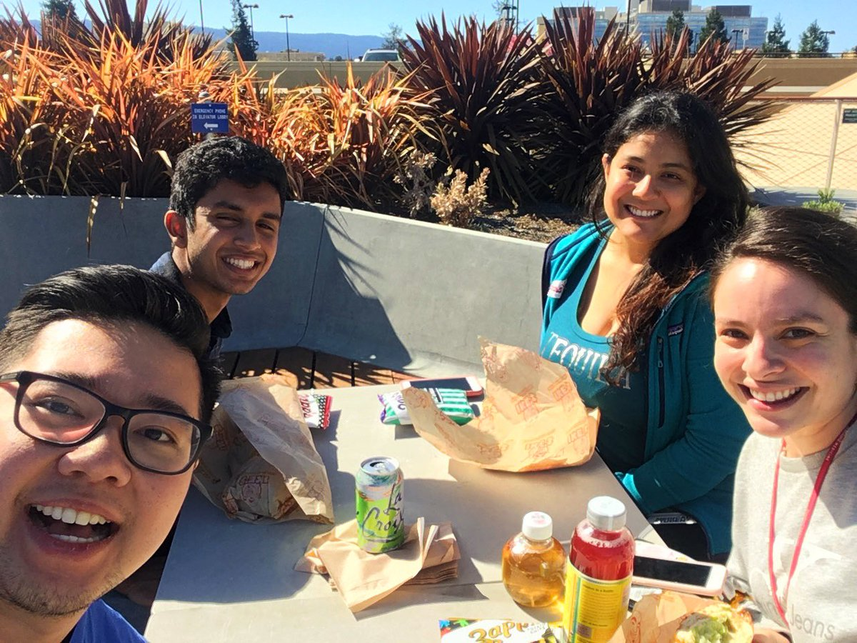 Team lunch! Thanks, Maayez for all your help this summer! Good luck in Santa Barbara! @GSEC_Surgery #Back2School #collegelife<br>http://pic.twitter.com/WFzVutjsic
