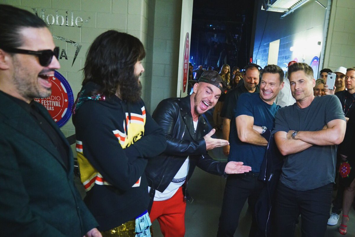 Accidental twinning with @RobLowe. @30SECONDSTOMARS is seeing double #iHeartFestival