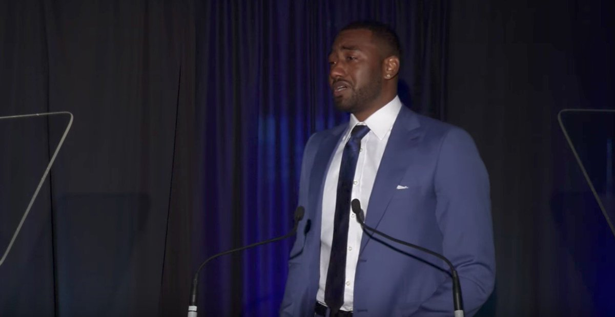 Respect ✊  John Wall gets choked up thanking his mom as he's inducted into the UK Hall of Fame.  🎥: https://t.co/mAZ5aLmfsB