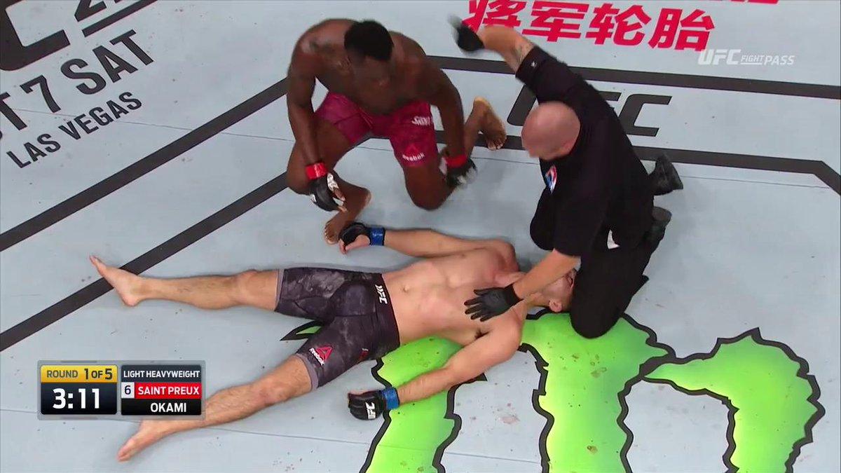UNBELIEVABLE!!!  #UFCJapan @003_OSP!! https://t.co/RC4ihjr5Yi