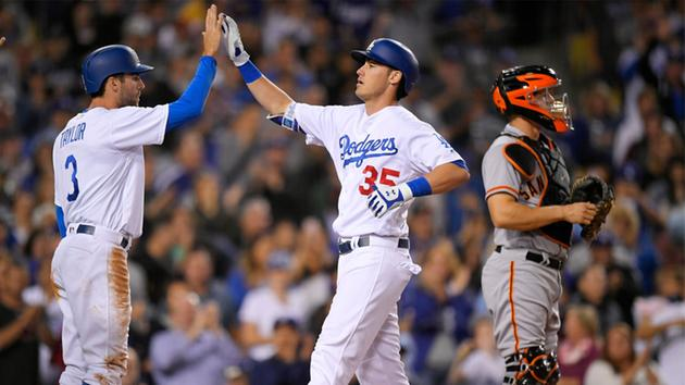 #Dodgers' Cody Bellinger sets NL rookie home run record with 39 as team clinches NL West https://t.co/deBZRtav4H