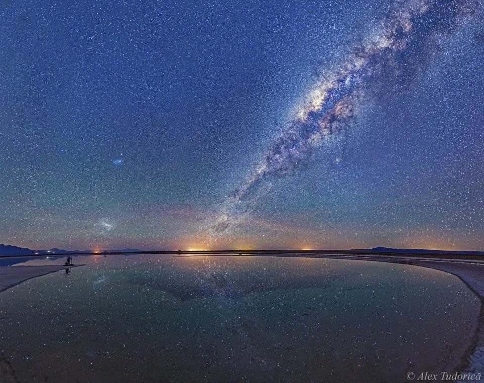 #Space: #MilkyWay above #Atacama salt lagoon. #GoodMorning! https://t.co/eHL1WZsgk9 via @apod