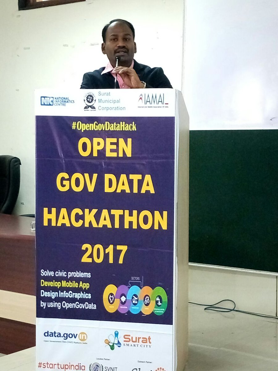 Delivered keynote address at #OpenGovDataHack by @SuratSmartCity at SVNIT Surat. Young minds will build #OpenData solutions for next 24hrs. <br>http://pic.twitter.com/t4YaqJuxxa