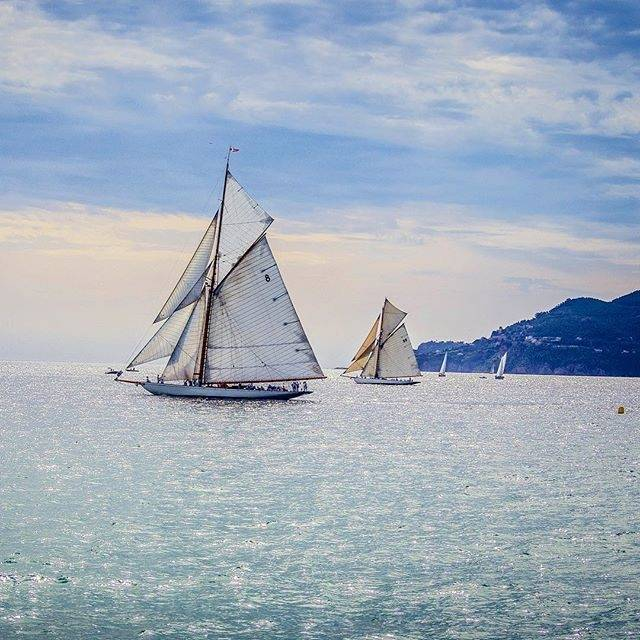 [ #regatesroyales ] starting today in #cannes  !  #cotedazurfrance #sailing #boat #cotedazurnow #frenchriviera #sea #golfer<br>http://pic.twitter.com/oQNfMbv14h