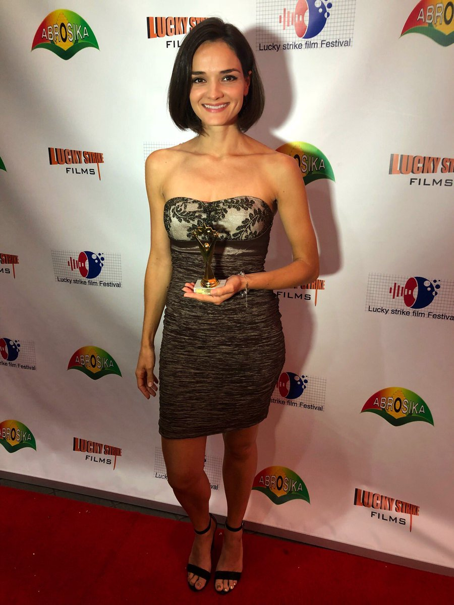 "Thank you so much to the Lucky Strike Film Festival for awarding me the ""Rising Star"" award tonight! #grateful #actorlife #award #redcarpet<br>http://pic.twitter.com/23QR4iPQjd"