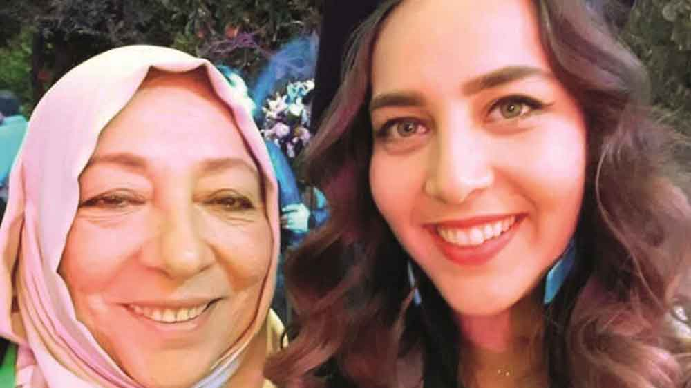 Prominent Syrian activist Orouba Barakat and her daughter found stabbed to death in their flat in Istanbul https://t.co/n9dsMhGFHg