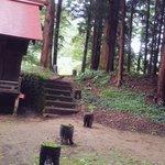 今日行った神社の謎のオブジェが気になった pic.twitter.com/m5wpKBm5dA