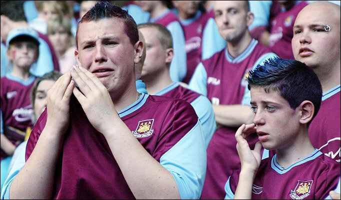 Cheer up Lads - its Cup Final day! #COYS #WHUTOT https://t.co/KgWSewGpSs