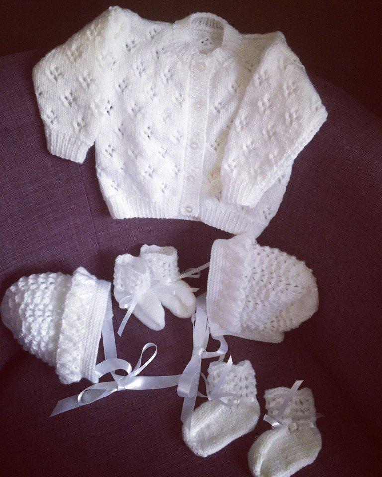 A selection of #handmade #baby #gifts available at  http:// crwd.fr/2hozPSa  &nbsp;    #mummyblogger #TWDA #uksopro #babyshower #ATSocialMedia<br>http://pic.twitter.com/JZrNAEYcw0