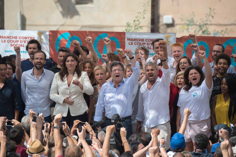 Mélenchon mobilise dans la rue contre le 'coup d'Etat social' de Macron >> https://t.co/fbpSnZI2D8