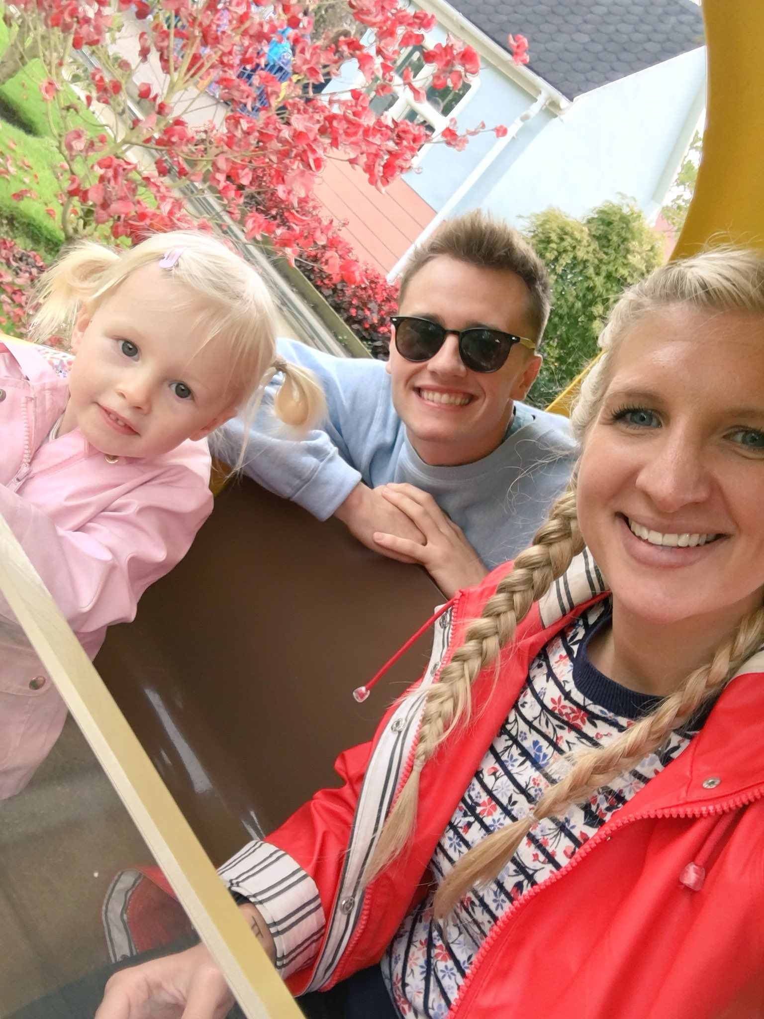 Great day at Peppa Pig World @paultonspark ! Summer LOVED it #familytime #weekend #peppapig https://t.co/ZezUdOPX8l