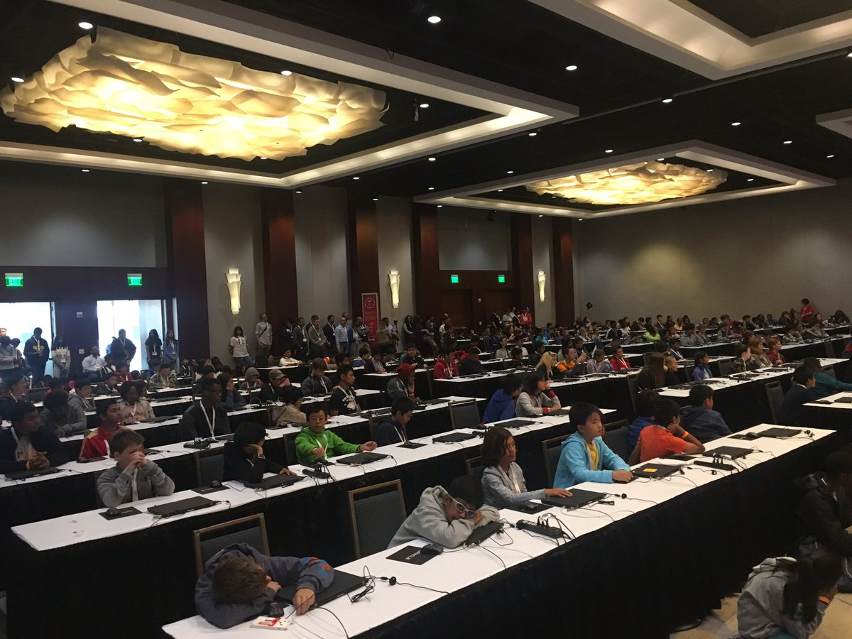 450 young coders came out for JavaOne4Kids! #Java https://t.co/YYolh4msru